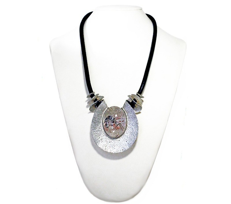 necklace-with-variegated-hyaline-quartz