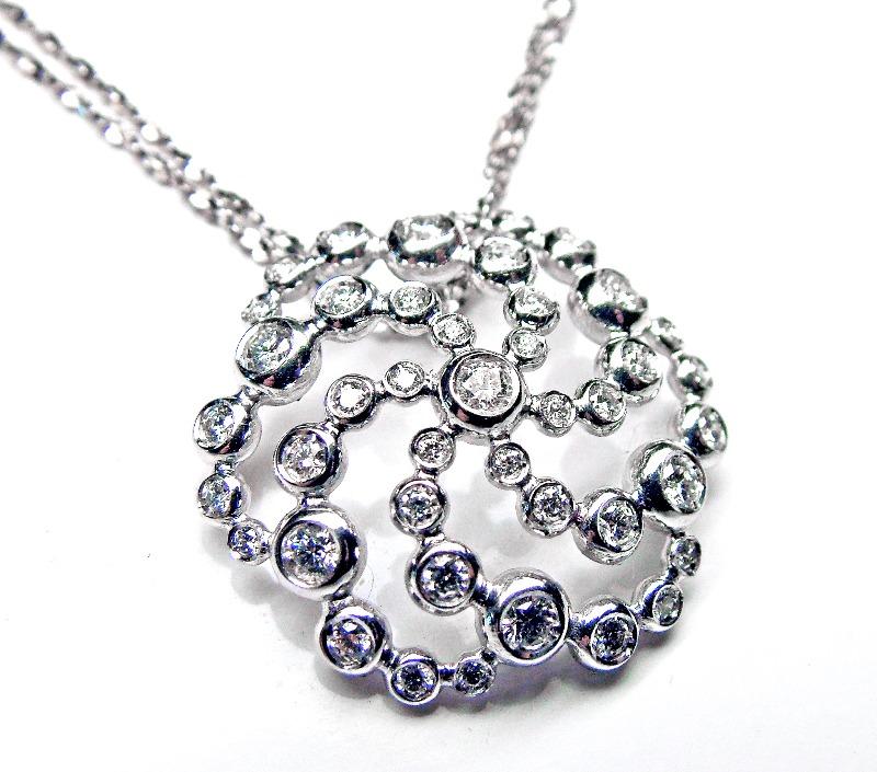 crop-circle-pendant