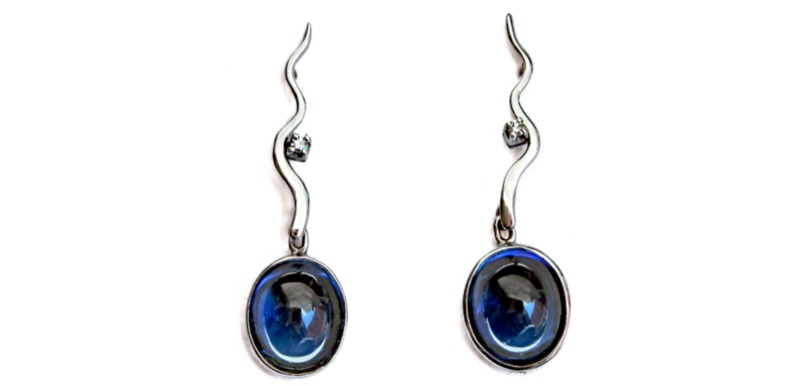 sapphire-cabochon-earrings
