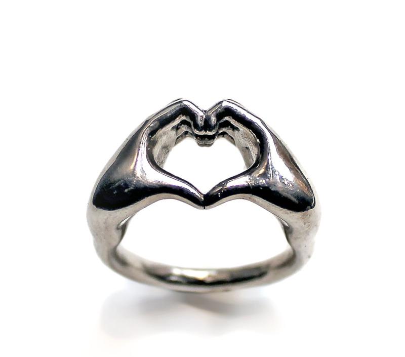 anello-mani-cuore
